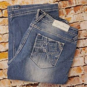 NWOT Ariya Destroyed Jeans 7/8 x 32